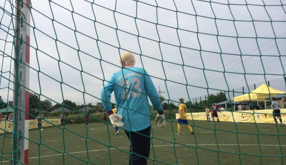 Niklas Schubert im Tor der Sportfreunde Marburg