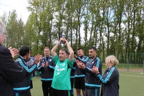 Schalke jubelt über den zweiten Platz