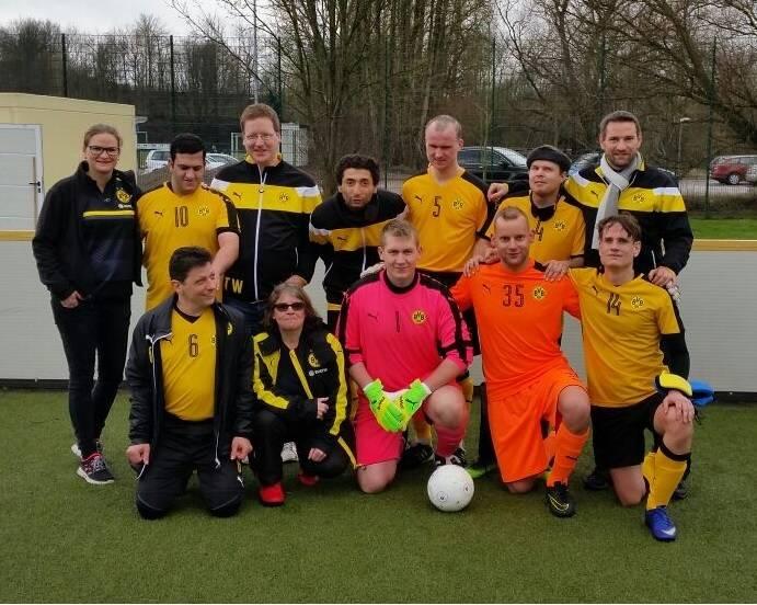 Mannschaftsfoto BVB inklusive Kuttig, Schäfer und Göbel