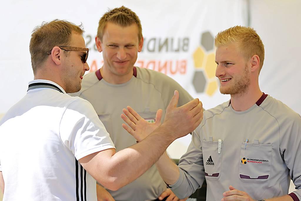 Blindenfußball-Schiedsrichter stimmen sich auf die kommende Saison ein