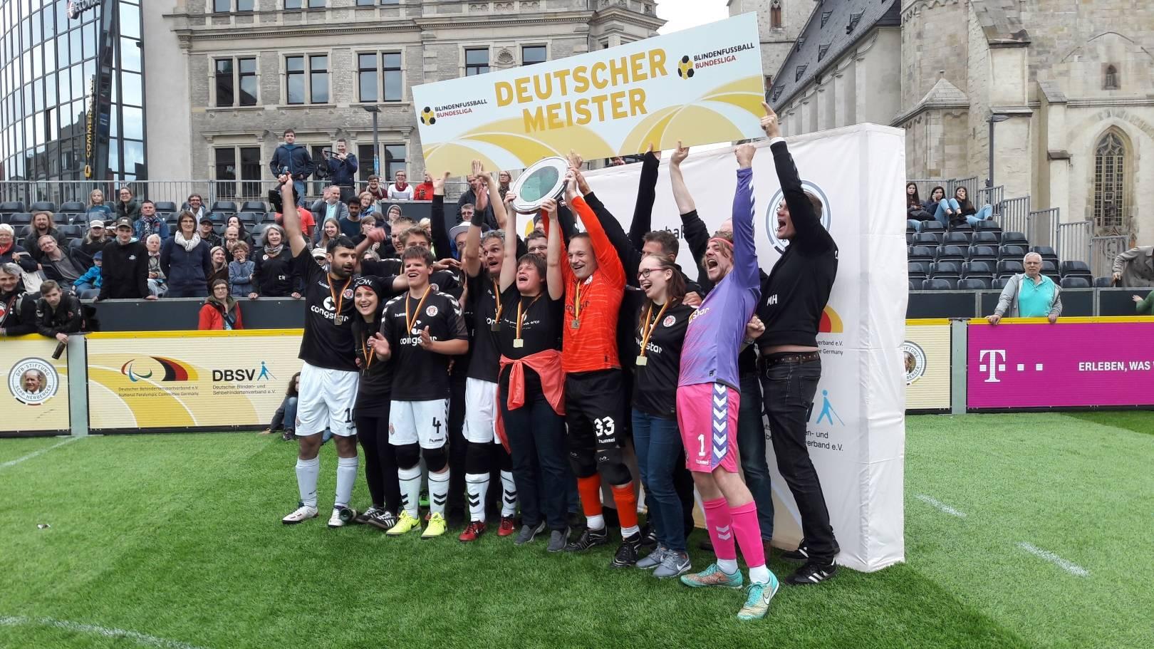 Unbändige Freude bei St. Pauli